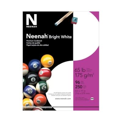 Papier cartonné de choix blanc éclatant 65 lb Neenah 65LB COUVERTURE 96 BRIGHT PAPIER CARTONNÉ PREMIUM LISSE