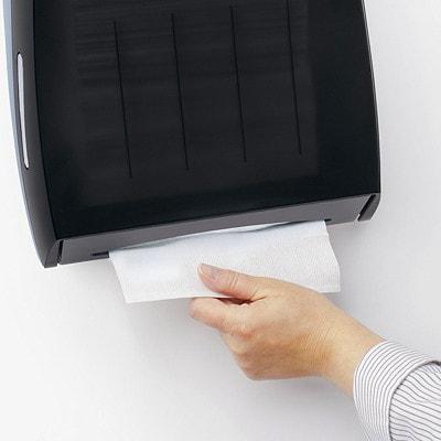Essuie-mains blancs à plis multiples Kleenex KLEENEX KIMBERLY CLARKE 150PQT  8 PQT PAR BOÎTE