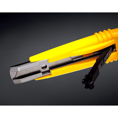 OLFA Heavy-Duty Self-Retracting Safety Knife