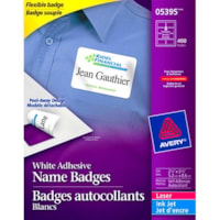 Badges autocollants souples blancs au fini mat 2 1/3 po x 3 3/8 po Avery