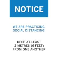 Affiche de distanciation sociale en plastique de faible épaisseur Sterling, anglais, Notice - We are Practicing Social Distancing, bleu, blanc et noir, 12 po x 18 po